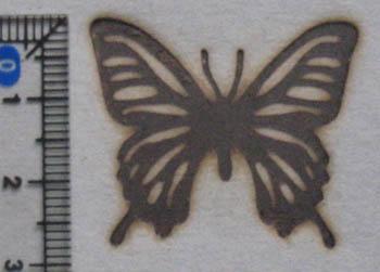 小さな蝶の焼印