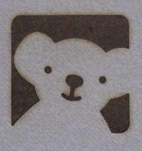 クマのロゴ焼印